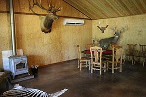 Texas Hunt Lodge Poker Table