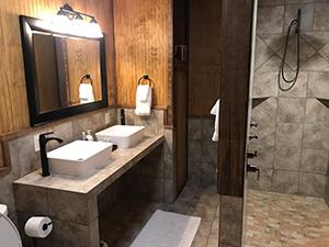 Texas Hunt Lodge Bathroom